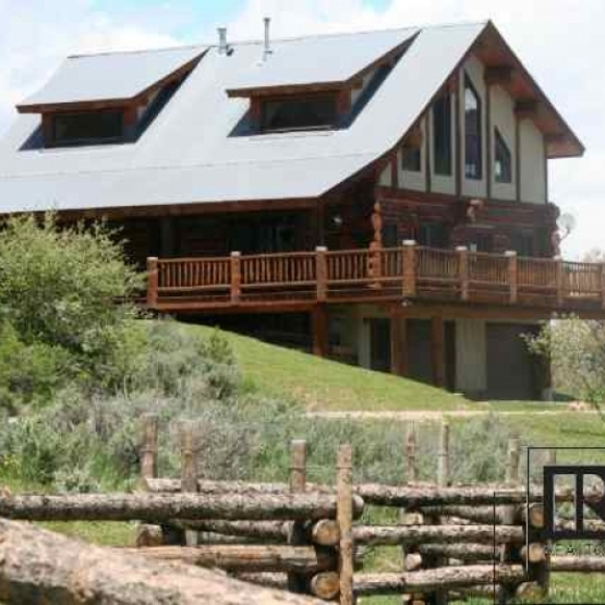 Dream Log Home - Immaculate, elegant and private with massive logs and lovely porch <br />