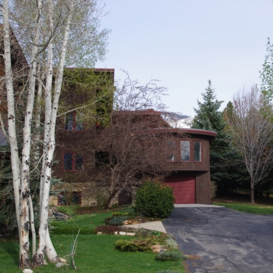 Fairway Meadows  - Upscale neighborhood, 3 BD home with tremendous westerly views, wood fireplace.<br />