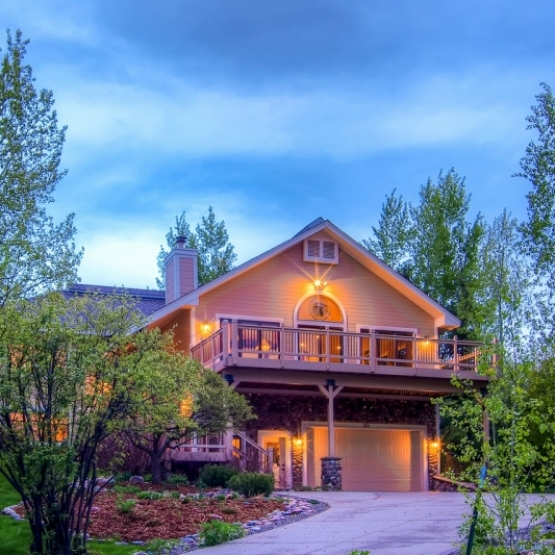 Immaculate Home on Cul-de-sac - Meticulously cared for 3452sf 4BR/3.5BA elevated home with mature landscaping bordering 28 tranquil acres of open space<br /> Sold at $1,100,000