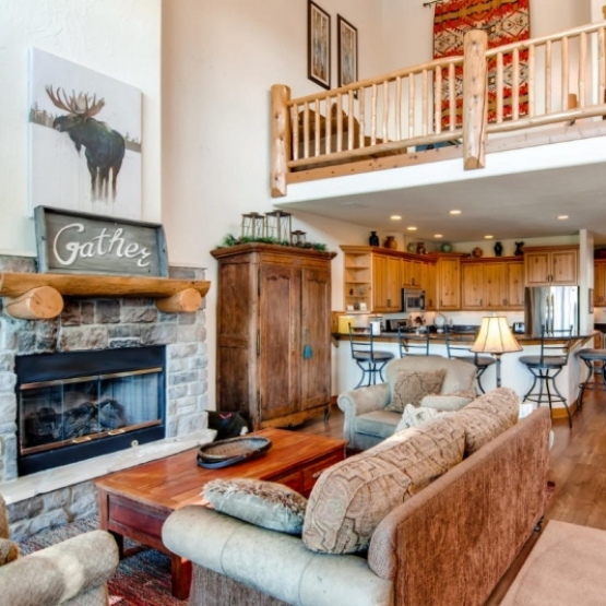 Mountaineer Townhome - Spacious, bright, elegant design, 4 bedroom Mountaineer townhome<br />