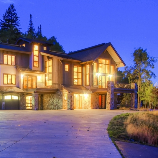 Mountain Home - Beautiful mountain home in private setting
