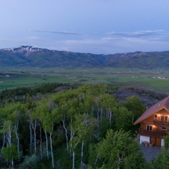 Big Valley Ranch Home - Expansive views close to town