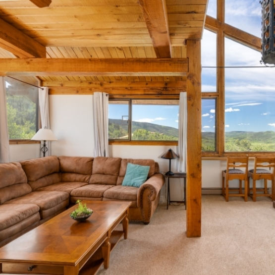 Timbers Top Floor - Stunning Views of Lake Catamount