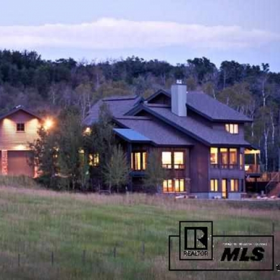 Big Valley Ranch - Sleek mountain home situated on 15 acres