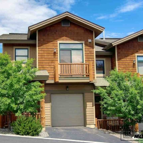 Cornerstone Townhome - Very high quality finishes throughout,luxury furnishings and electronics <br />