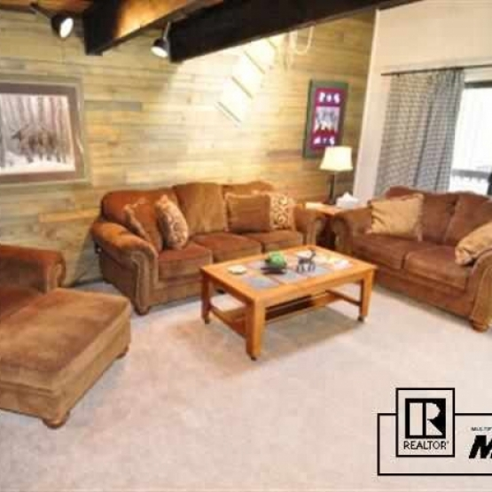 Ski Vacation Getaway - Fully furnished 3BD, 3BA townhome with loft, room to spread out and close to ski area<br />