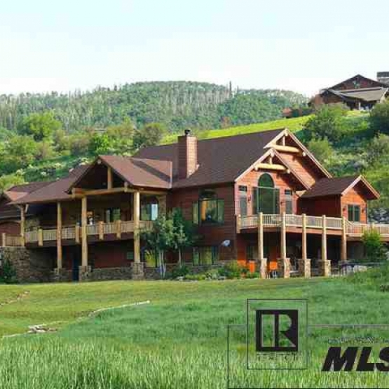 Catamount Views - Agate Creek Luxury Home on 5 acres ideal for entertaining.<br />
