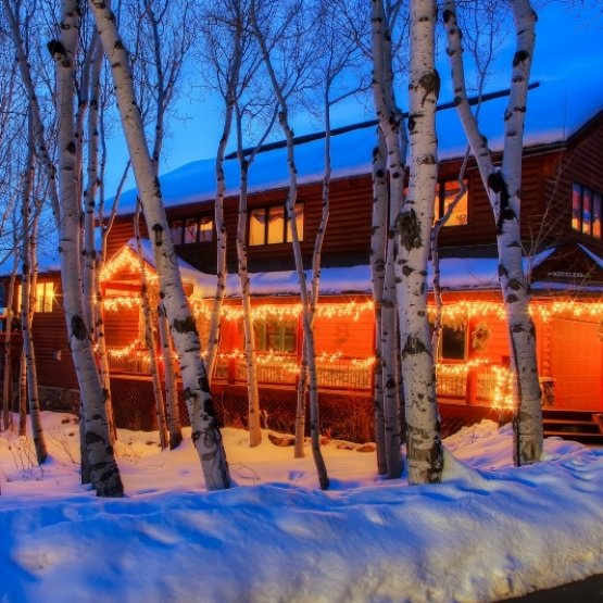 Nestled Among Aspens - Fish Creek area family home with wooden yard and stream on quiet cul-de-sac.<br />