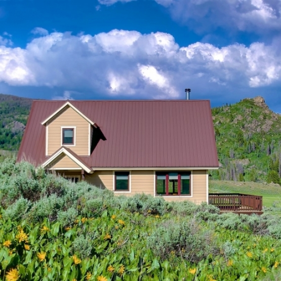 Stagecoach Home with Great Views - Well built home with fantastic views of the valley and surrounding mountains, near Stagecoach Res<br />