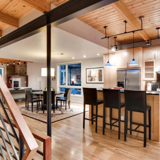 Blackhawk Townhome - Modern living close to Skiing
