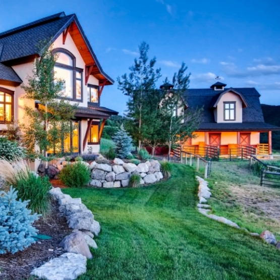 Luxury Estate - Creek Ranch Property